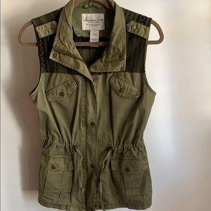 Women's Olive Green Cargo Utility Vest